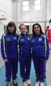 La nostra squadra di spada femminile. Da sinistra: Alice Colucci, Elisa Rovere, Loredana Grillo