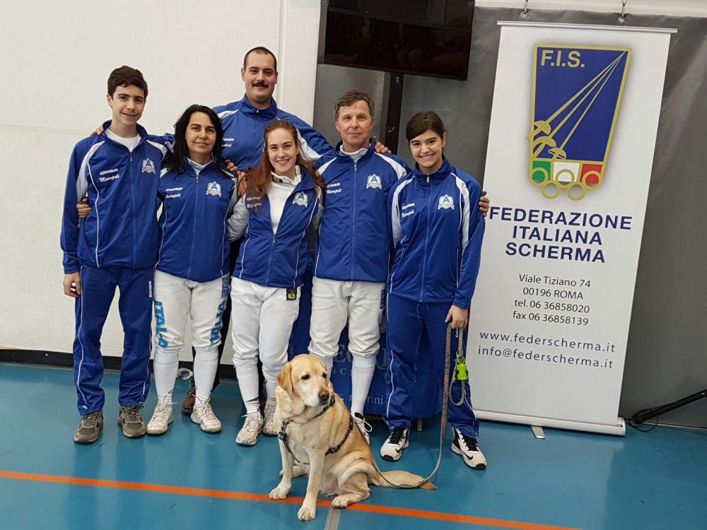 I componenti delle nostre squadre di spada femminile e maschile schierati alla gara nazionale di serie C2 di spada giocata a Zevio VR nei giorni 28 e 29 gennaio 2017